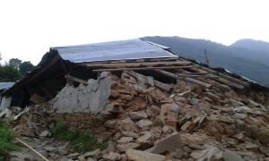 Vom Schulhaus blieb nach dem Erdbeben nicht viel übrig