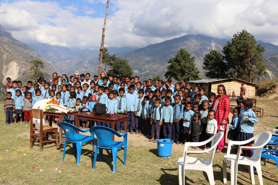 Schulkinder von Golche, Nepal